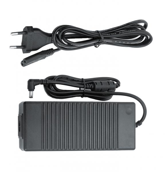 Netzteile 12 Volt, 6 Ampere Ausgangsspannung 6 Ampere